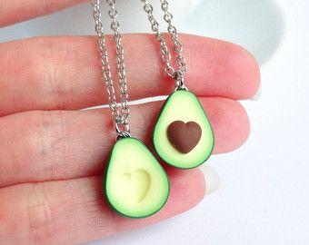 Grüne Avocado Bff Freundschaft Halskette Anhänger Herz Grube Valentines Liebe Bff Geschenk bb vorhanden Halskette besten Freund gesunde Ernährung Miniatur