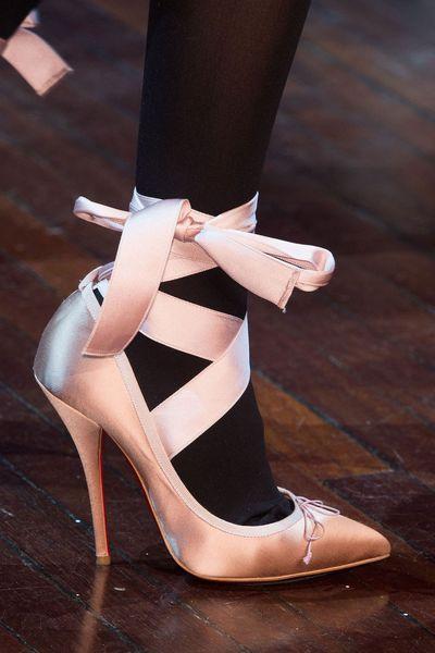aa053e0517db Tendances chaussures défilés automne-hiver 2015-2016 - L Express Styles -  Christian Louboutin pour Olympia Le-Tan
