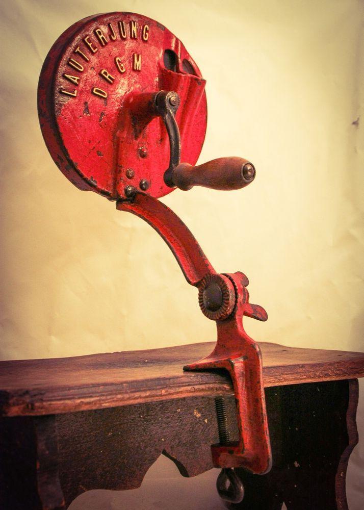 Details about Vtg Antique GLQ Bean Slicer Cast-Iron Hand Crank
