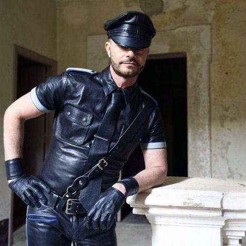 Gay leather fetish