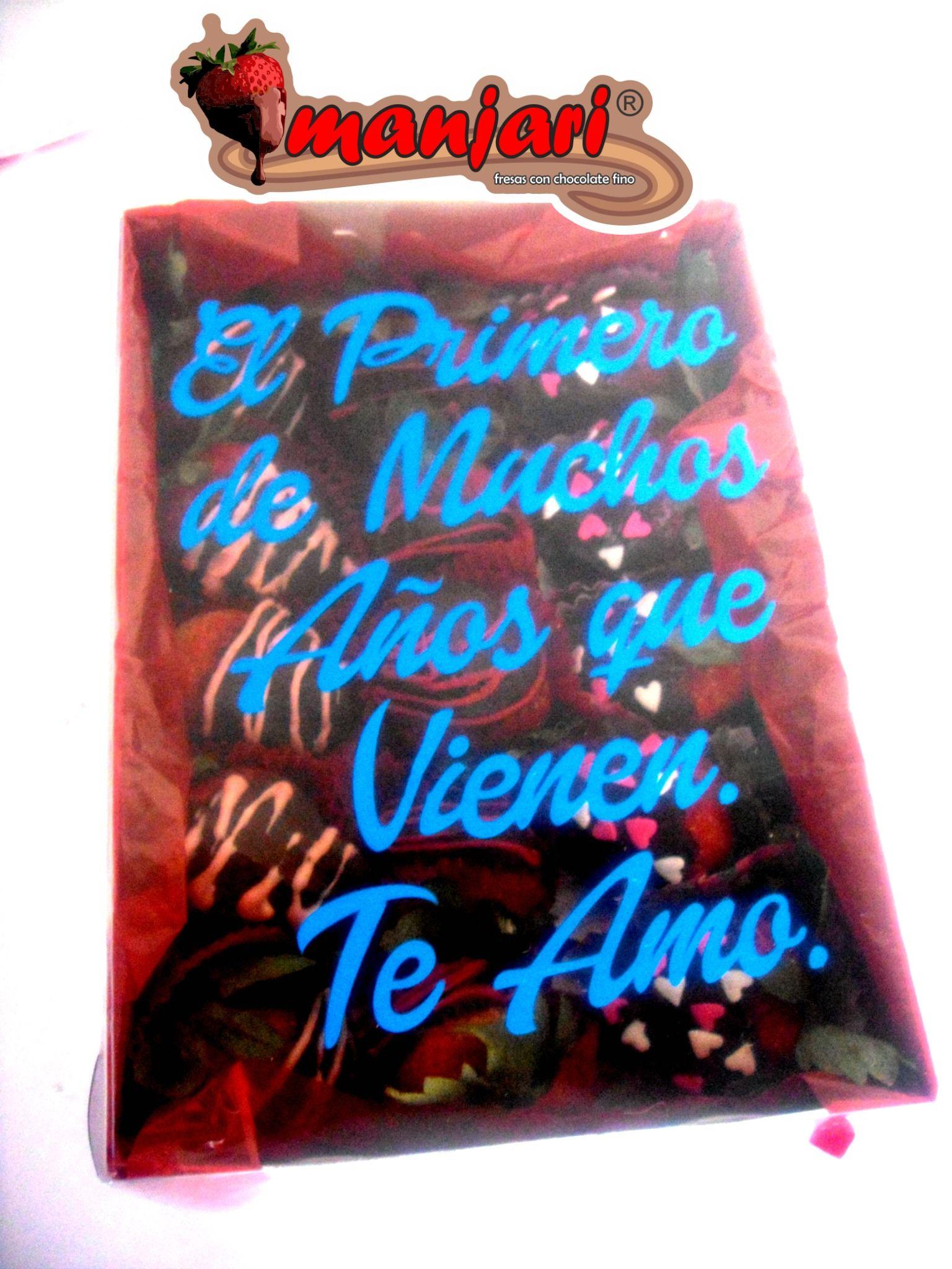 caja personalizada con 15 fresas cubiertas con chocolate