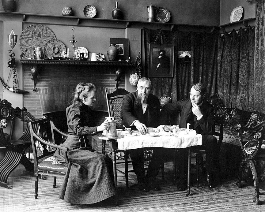 Frances Benjamin Johnston tomando té con Elbert Hubbard. Washington, 1900. Biblioteca del Congreso