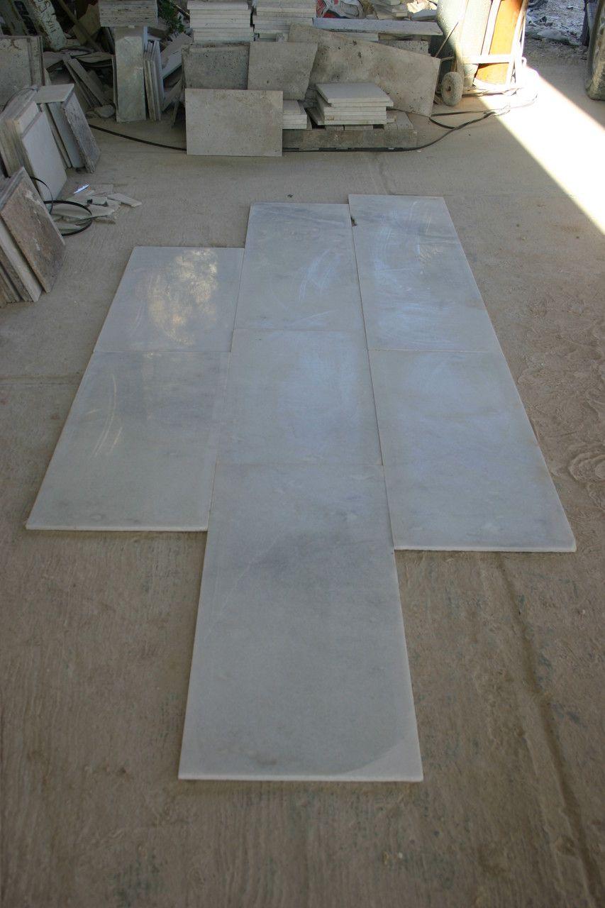 Tiras de marmol blanco royal marmol blanco pinterest for Laminas de marmol y granito