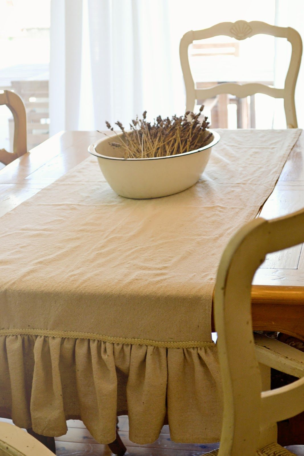 A Salvaged Home: A Simple Ruffled Table Runner.  Adorable!