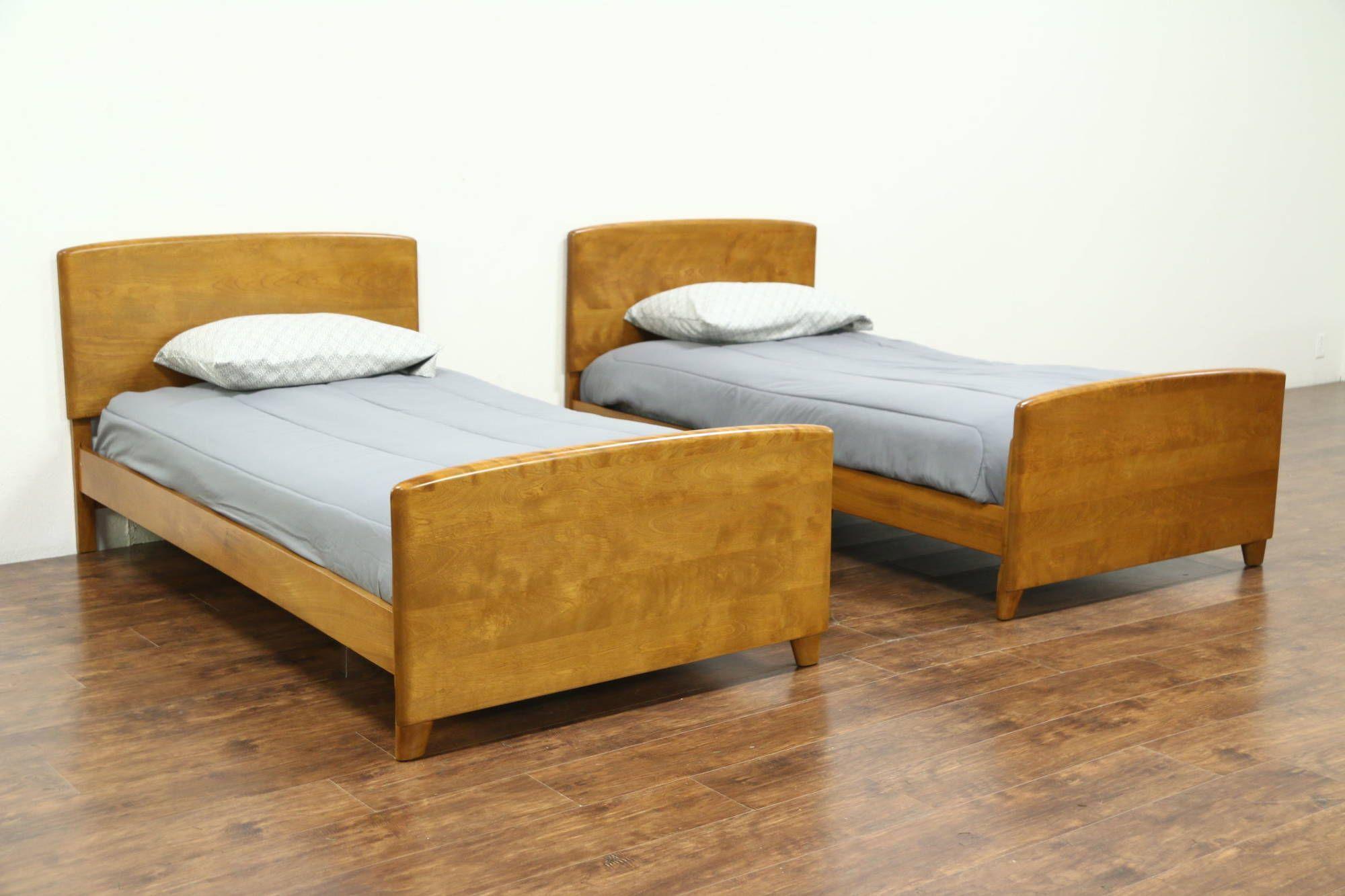 Midcentury Modern 1950 S Vintage Pair Of Twin Beds Heywood
