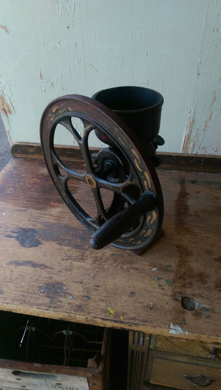 Antique . 1 2 Coffee Grinder Cast Iron Grain Corn Mill
