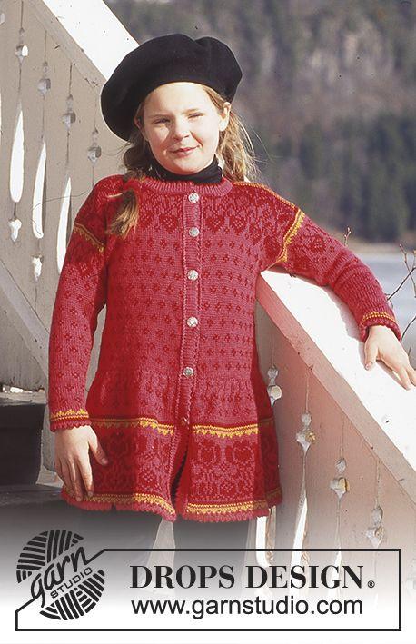 DROPS 52-13 - DROPS nordisk Pige-trøje i Camelia med nederdel ...