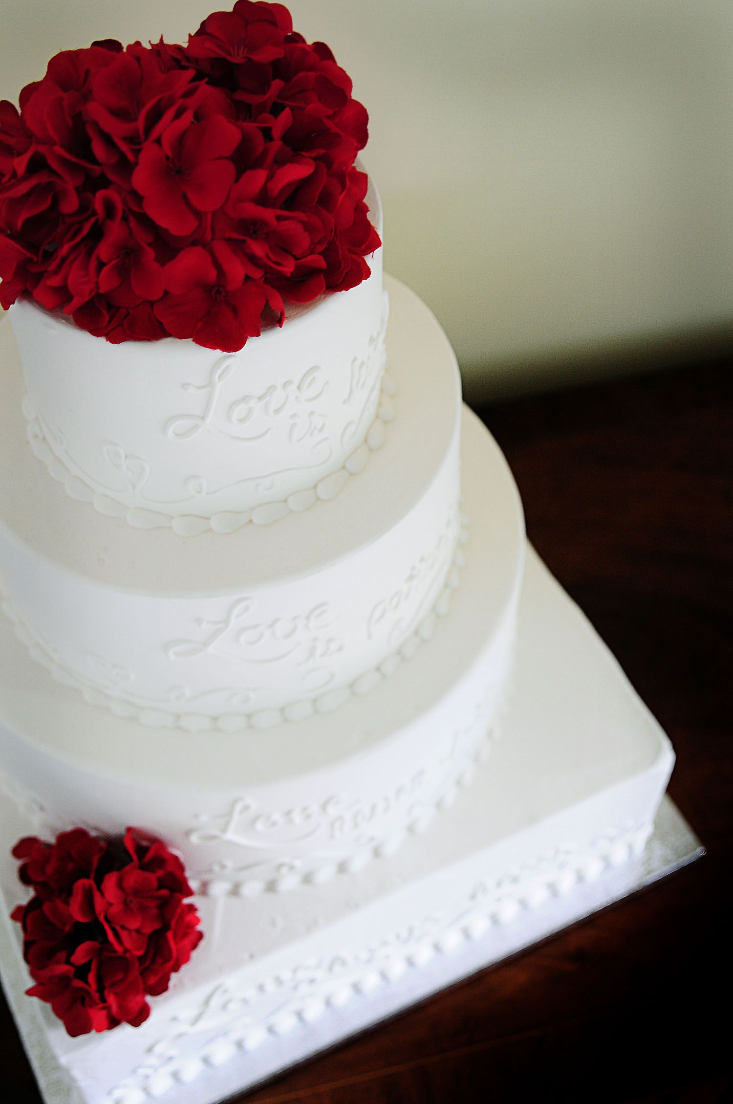 Red flowers, white cake! #wedding | Cake! Let them Eat Cake ...