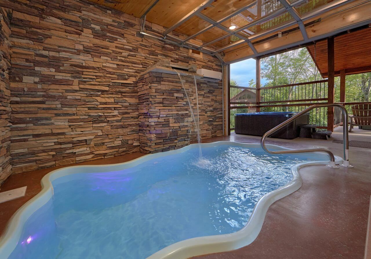 Gatlinburg Cabin Rentals In The Smoky Mountains Gatlinburg Cabins Big Sky Lodge Indoor Pool