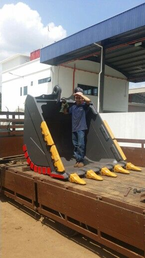 VOLVO 480 Heavy Bucket 3 2 m3 | excavator bucket | Excavator