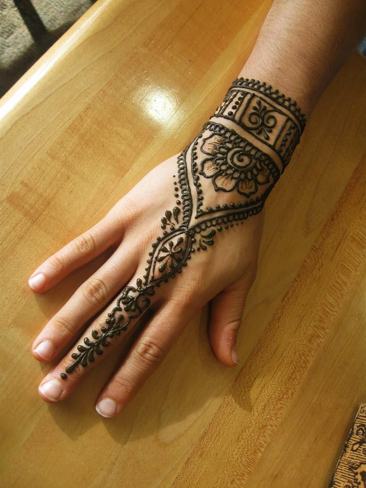 Henna Mehndi Tattoo Designs Idea For Wrist: 4 New Designs To Blow Your