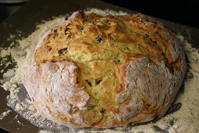 Irish Soda Bread With Buttermilk And Raisins Recipe Soda Bread Irish Soda Bread Irish Soda