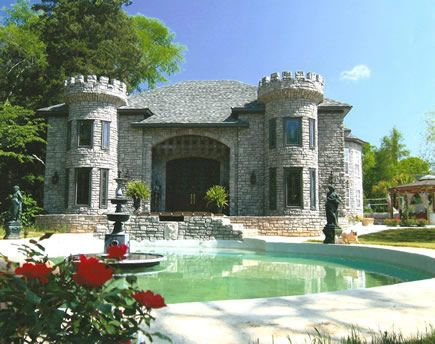 Pin By Diana Allen On Castles Are Romantic Castle House Design Castle House Modern Castle