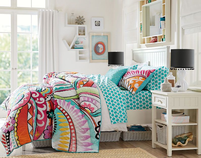 Teenage girl bedroom ideas surfer girl style pbteen for Surfing bedroom designs