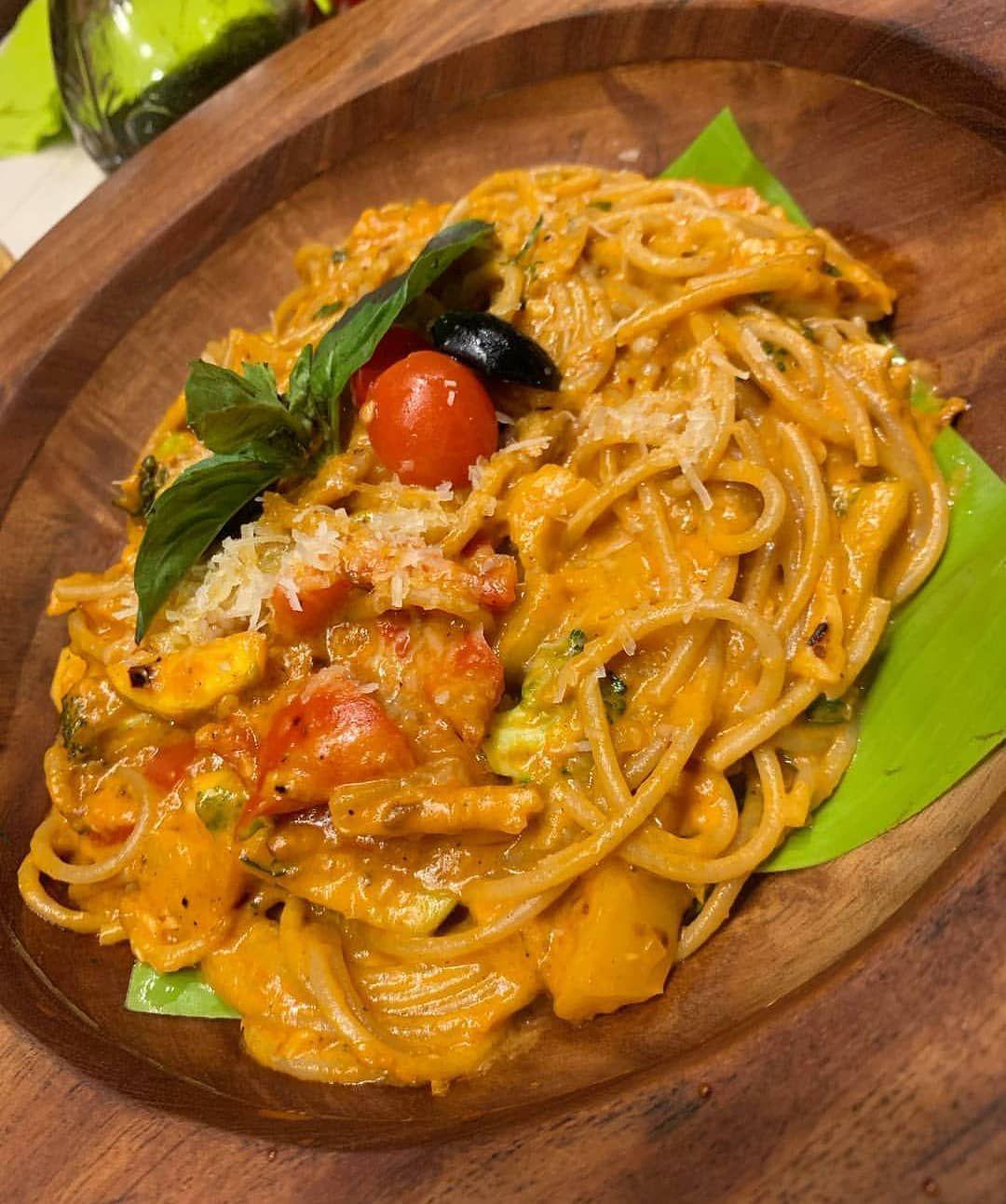Whole wheat spaghetti primavera... Follow...@fooddazzlerofficial ... Follow  Follow...@fooddazzlerofficial ... Follow  Tag Whole wheat spaghetti primavera lover 😍