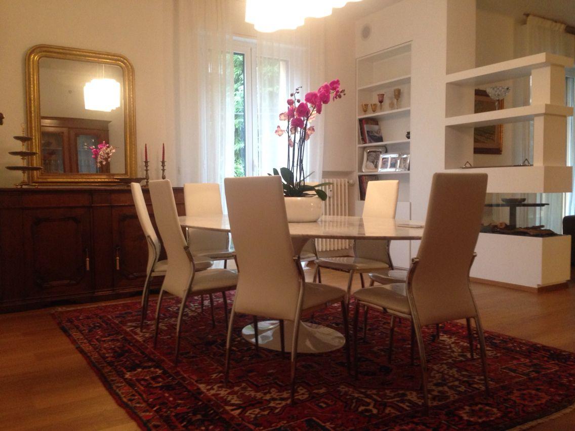 Credenza Antica Moderna : Sala da pranzo antico e moderno knoll international specchiera