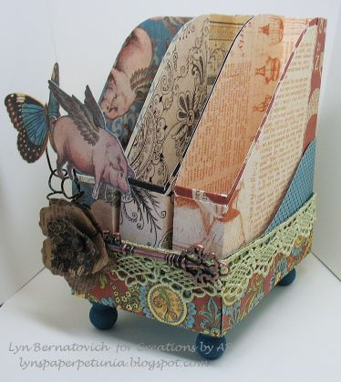 Love this Folder-Organizer from @Lyn Bernatovich! She used our Olde