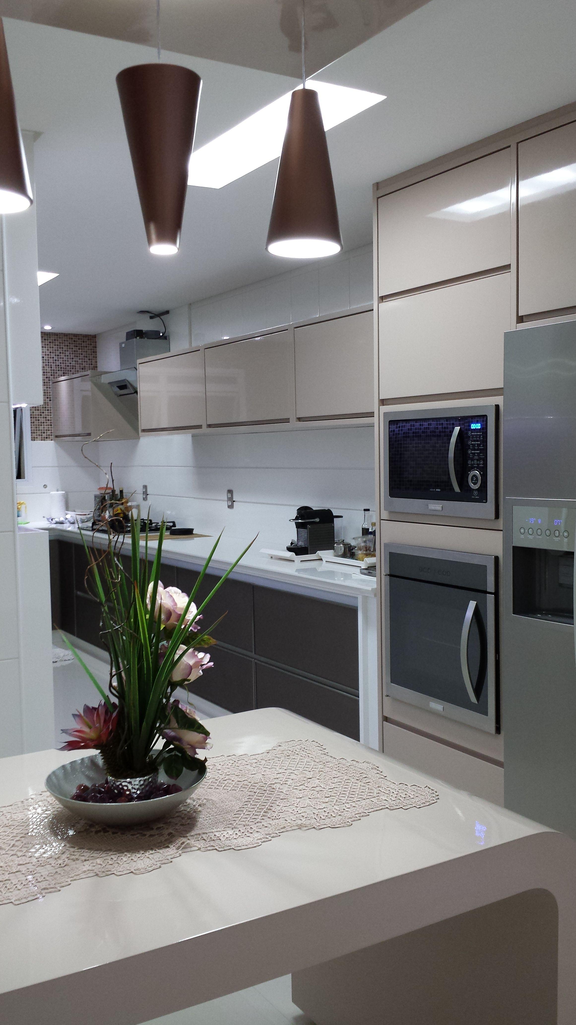 Cozinha - projeto especial de marcenaria produzido em laca brilhante ...