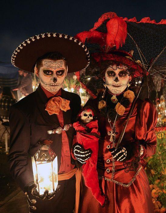 go to a dia de los muertos celebration!!! Dia de los Muertos Celebrations From Around the World