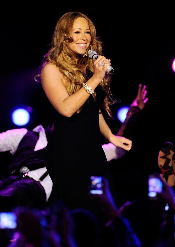 Mariah Carey está de volta e arrasa em festival. ~ Rolling Soul