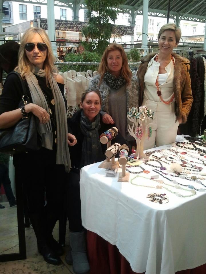 Con mis hermanas de Qumay en el Mercado de Colón nov 2012