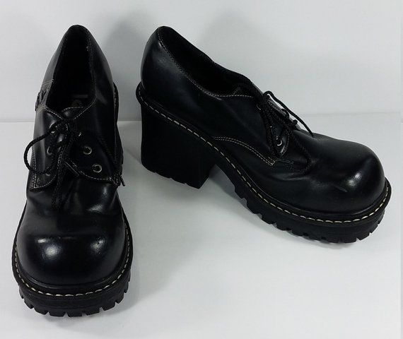 9d4d0d900c2 l.e.i. Dawnne black lace up chunky heel shoes 90s goth ladies size 9 ...