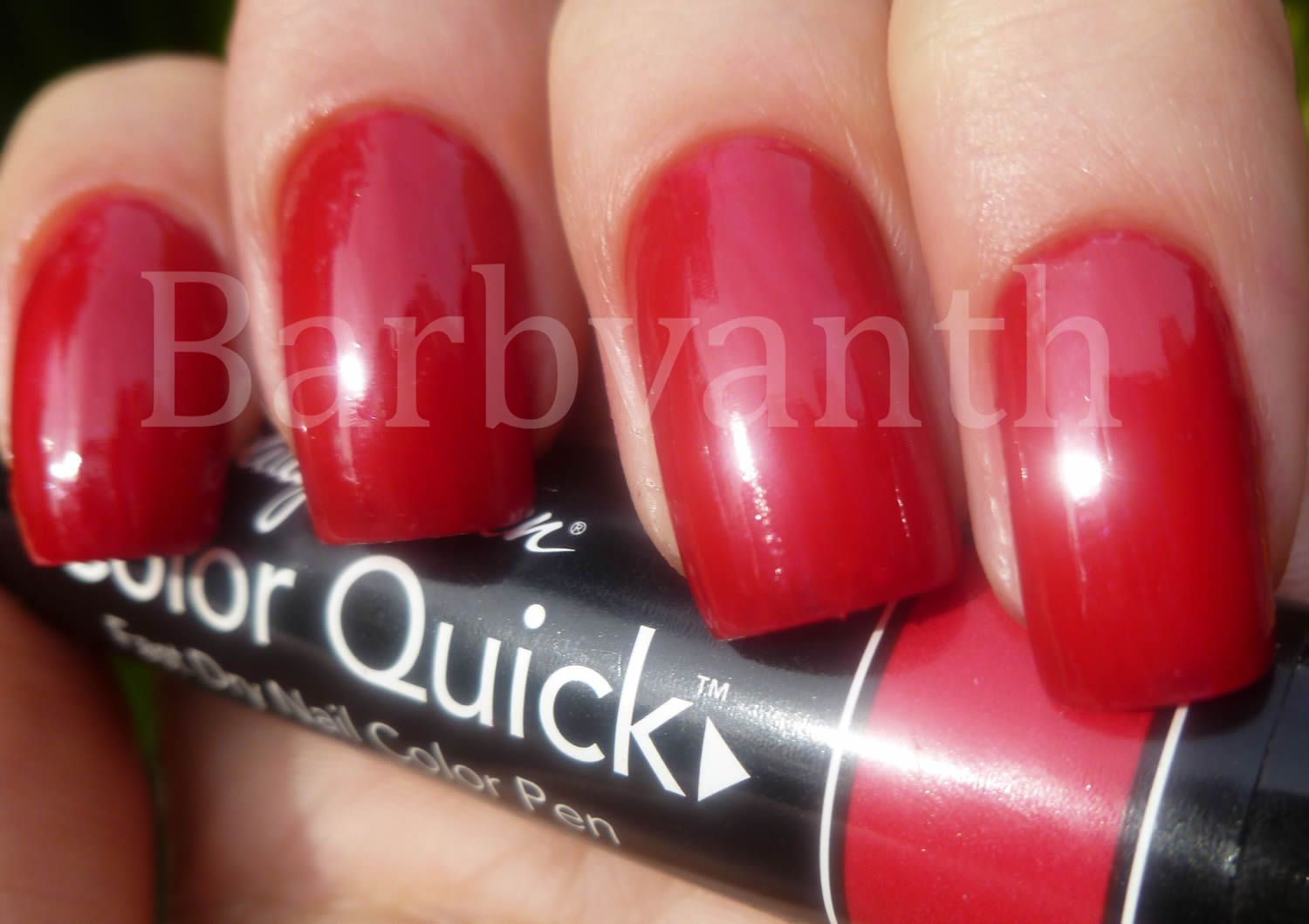 Red Sally Hansen Color Quick