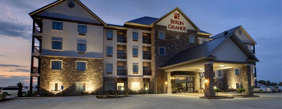 Amish Country Ohio Pet Friendly Hotel Finally A Dog Friendly Amish Hotel Amish Country Ohio Berlin Hotel Amish Country