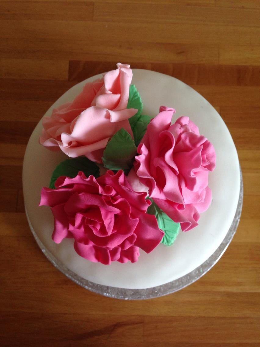 Rose Decorated Birthday Cake Cakes By Caron Pinterest Birthday