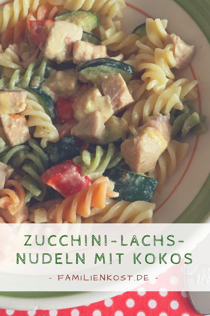 mit Zucchini und Lachs
