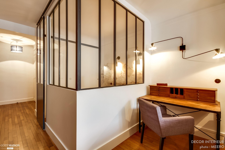 un studio de 30m2 d fra chi avec une petite cuisine ferm e l ancienne et une salle de bains. Black Bedroom Furniture Sets. Home Design Ideas