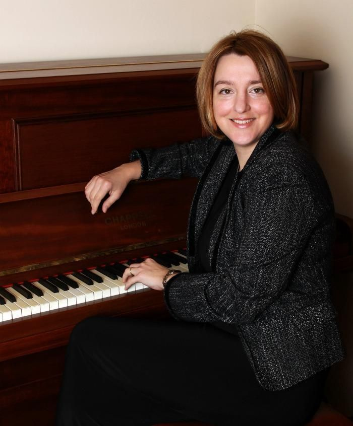 Modern Wedding Ceremony Songs: Tonya Clement Is A Solo Classical Pianist Who Provides