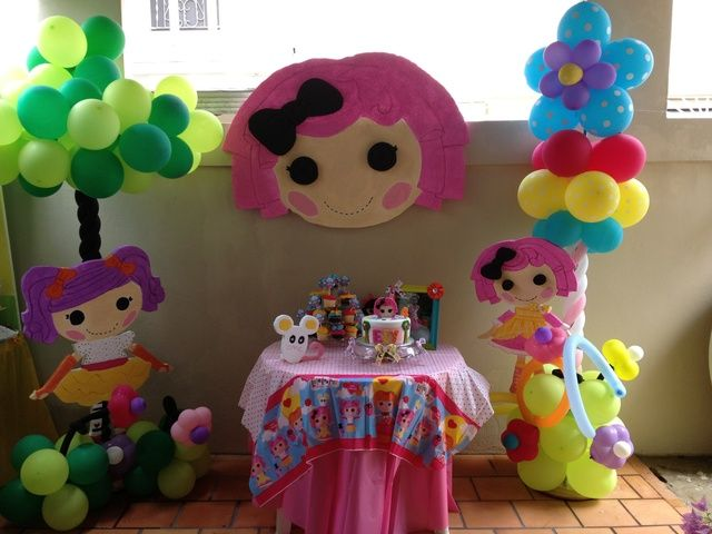 Lalaloopsy Party Birthday Party Ideas. DIY   Make your own giant button for Lalaloopsy Party  I am so