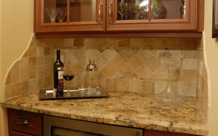 Free estimates countertops bar gallery surface for Tile bar top ideas