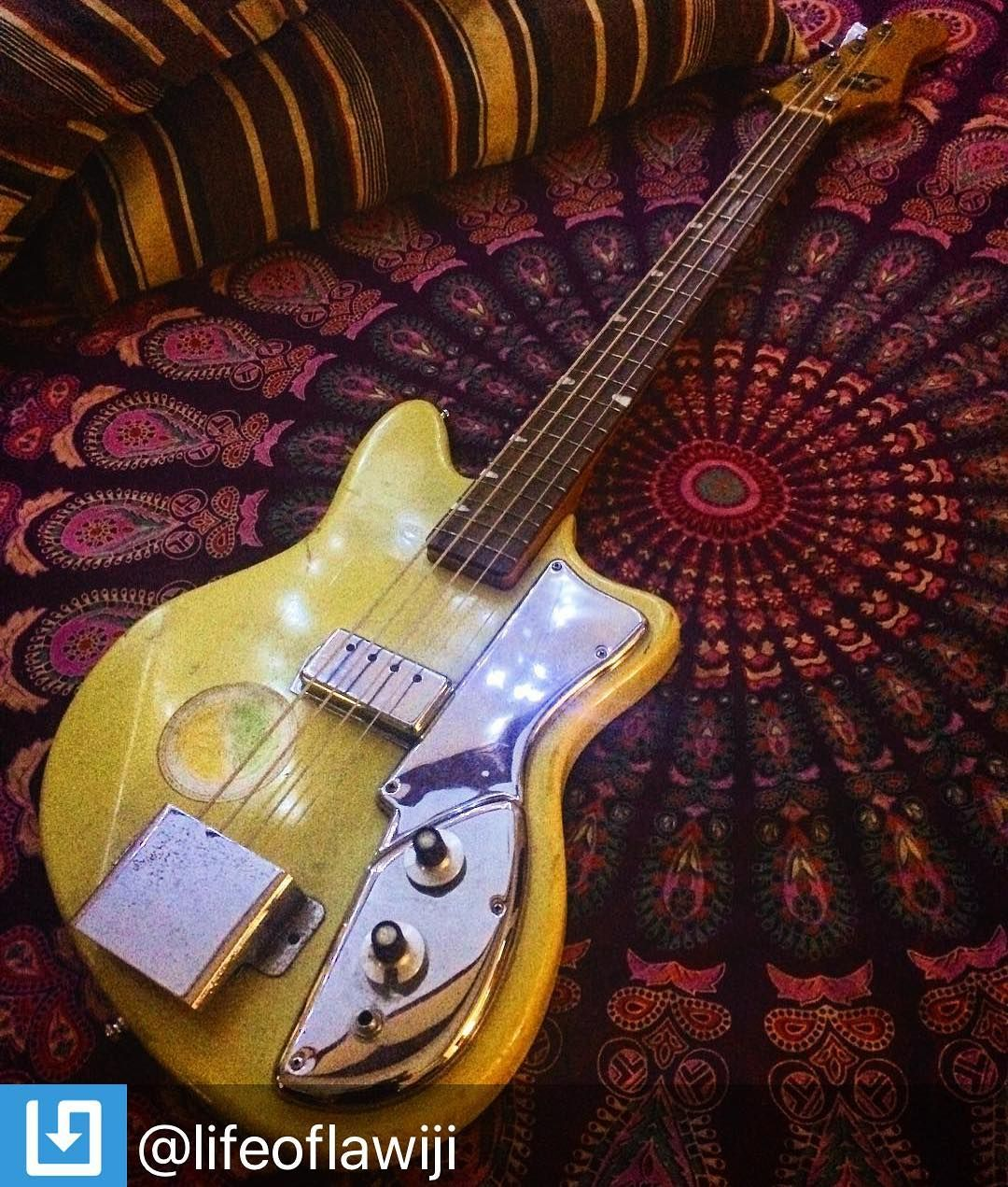 Repostby Lifeoflawij Guitar Cool Guitar Bass Guitar