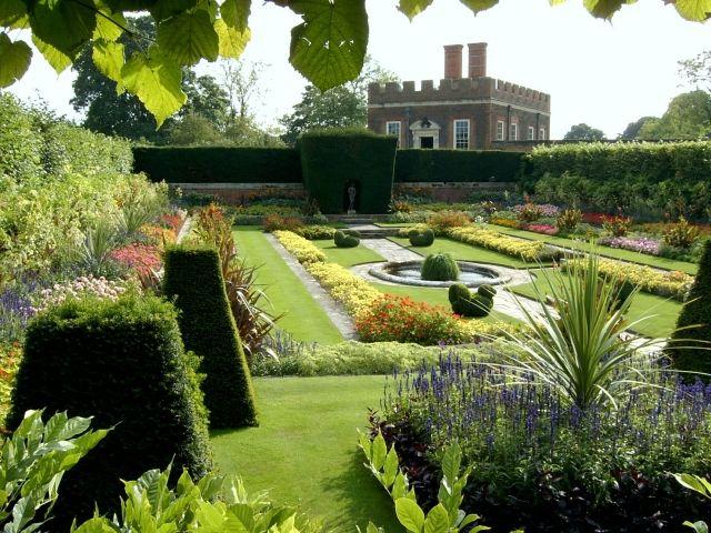 Wasserbecken Englischer Garten | 20 Schöne Ideen,mit Denen Man Hof Und Garten  Gestalten Kann