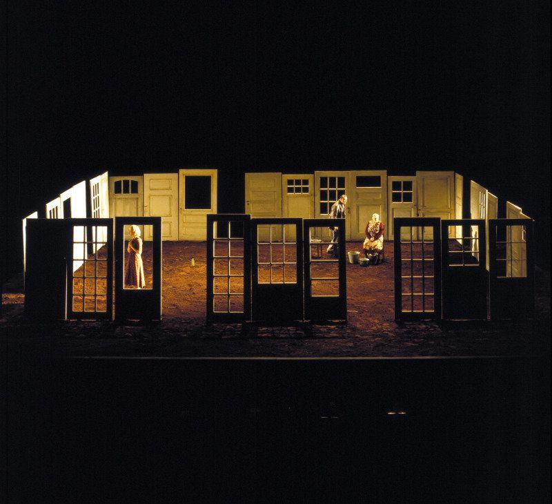 Patrick Kinmonth - Jenufa - Vlaamse Opera, 1999