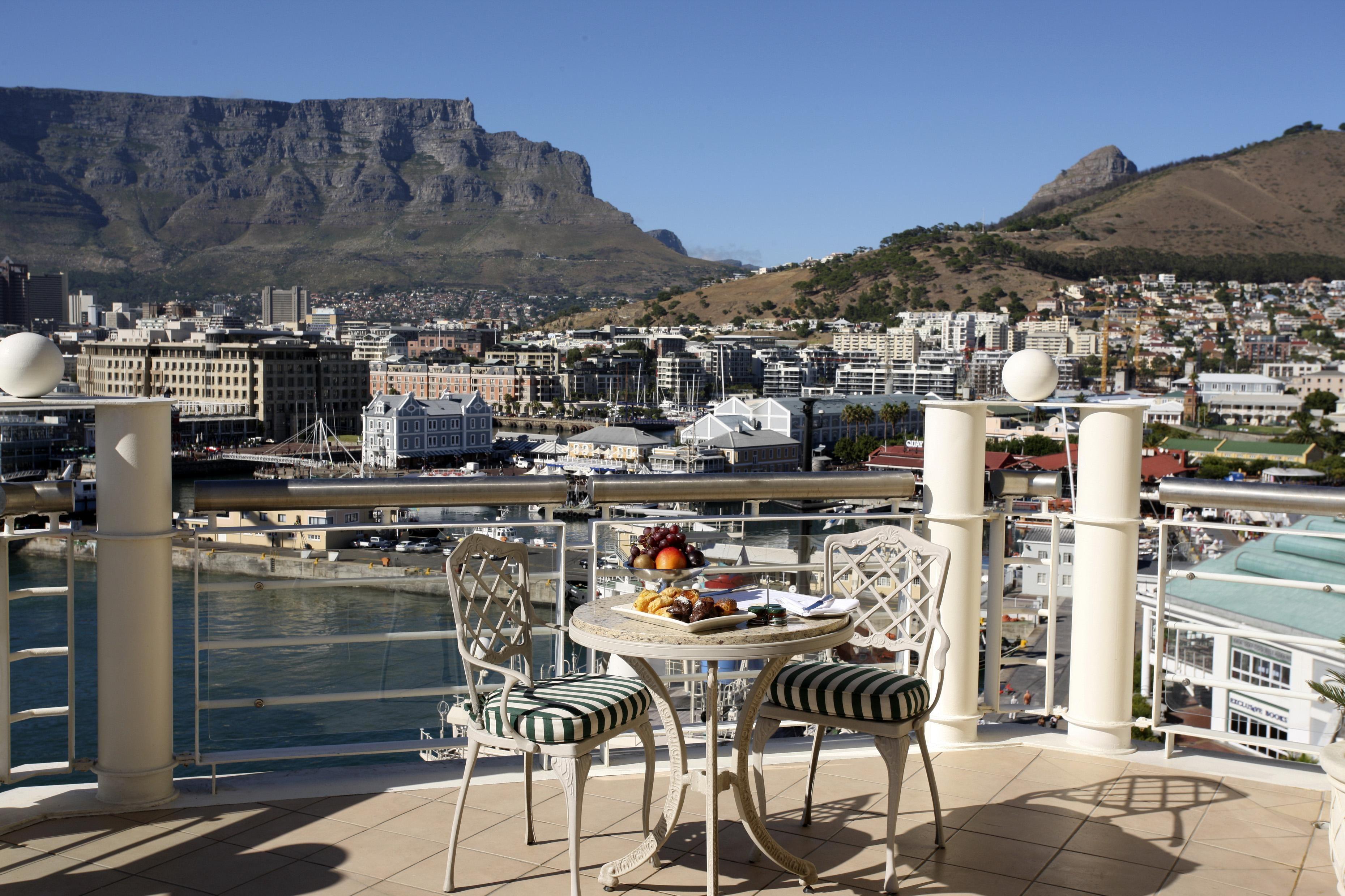 Ein gutes Frühstück und eine schöne Aussicht auf die Mother City; ja so sollte jeder Tag beginnen oder?  (Foto vom Table Bay Hotel)  http://www.kapstadtmagazin.de/5-sterne/The-Table-Bay-Hotel/114_22_18512