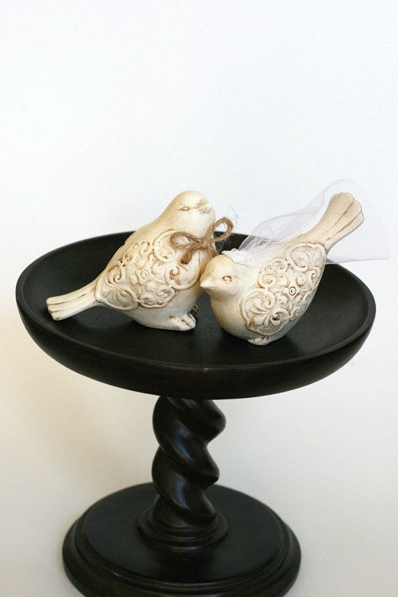 This listing is for 2 piece wedding cake topper would be the perfect addition to any rustic/woodland themed wedding. Two ceramic love birds with