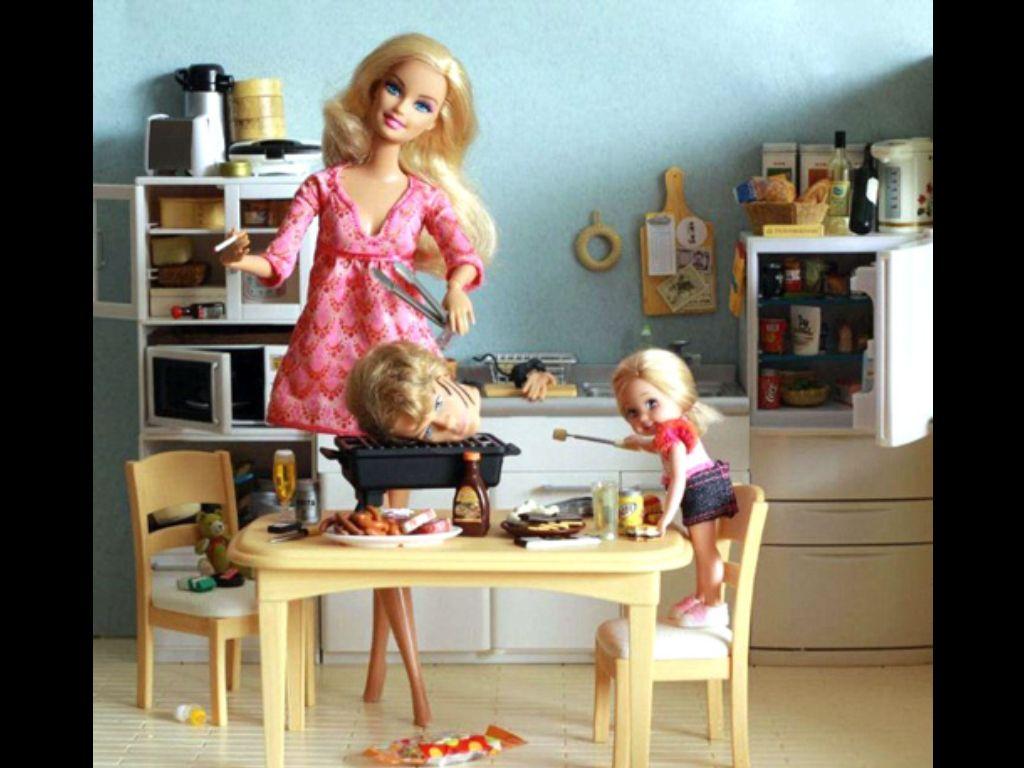 Moderno Barbie La Anatomía De La Muñeca Molde - Anatomía de Las ...