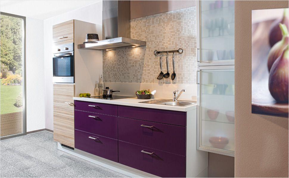 Beeren- und Pastelltöne finden auch heutzutage in Küchen ihren Platz