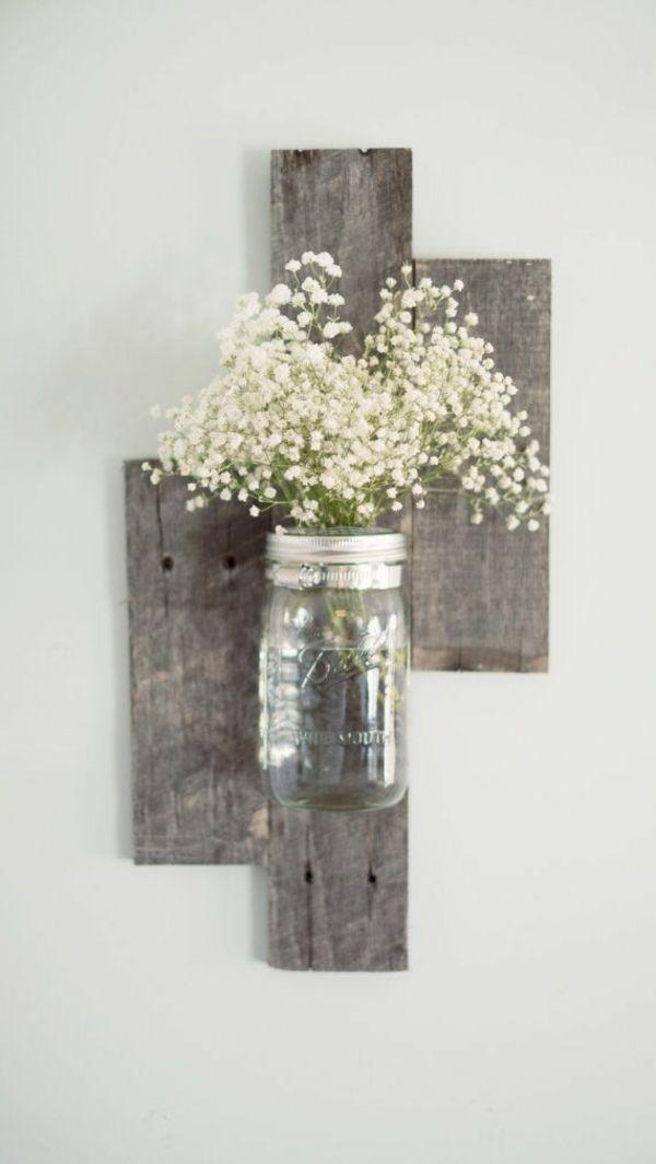 Wanddeko aus Holz diy wanddeko holzpaletten vase zimmerblumen | Home ...