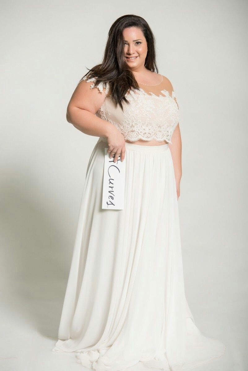 Curvy Bridal Perfection Off Shoulder Sleeves In A Plus Size Crop