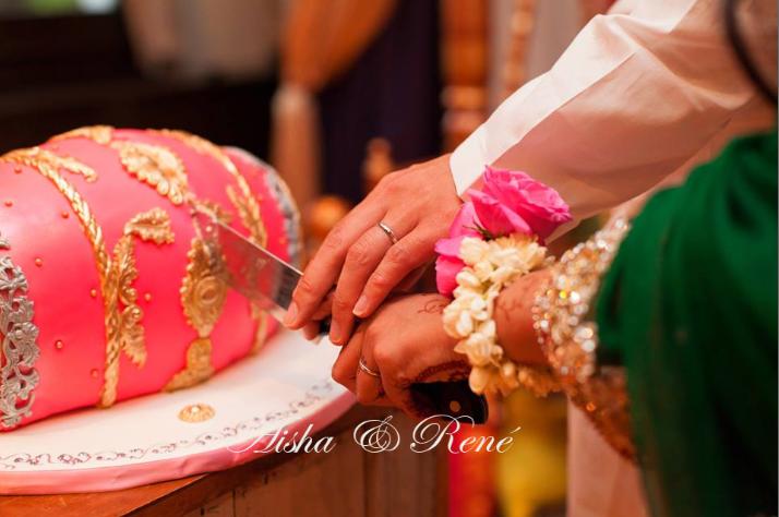 Cake For Mehndi Ceremony : Pakistani wedding photography dholki cake mehndi party