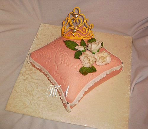Торт корона на одушке