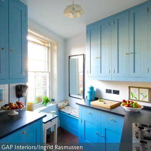 Blaue Küche im Landhausstil Landhausstil, Fenster und Raum - kleine küchen beispiele