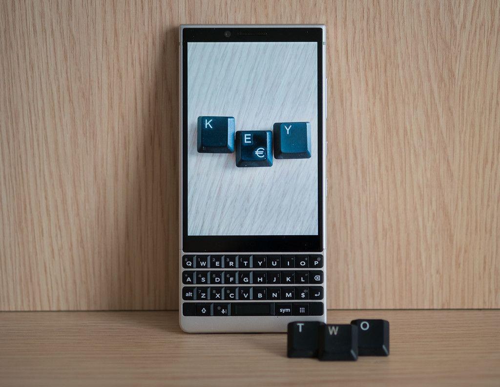 Blackberry Key2 Análisis La Experiencia De Usar Un Teclado Físico En La Era De Las Pantallas Infinitas Teclado Telefonos Celulares Novedades Tecnologicas