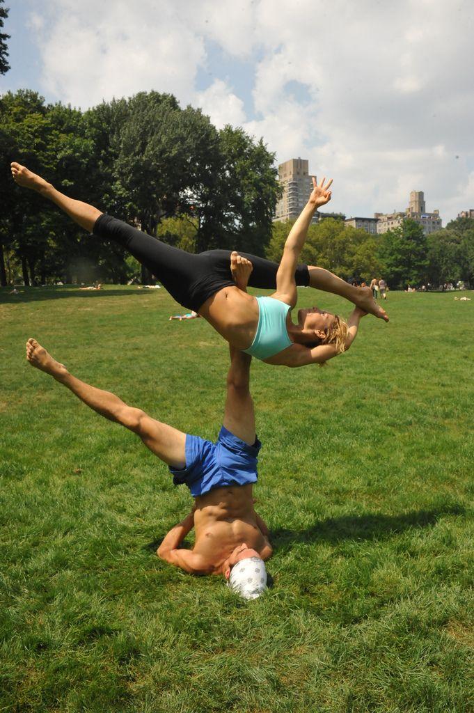 Beautiful Dance Partner Akrobatik Partnerubungen Und Yoga