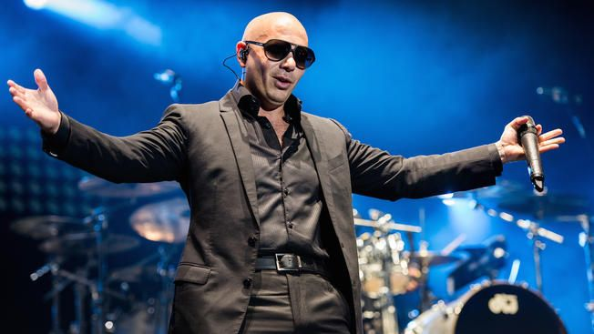 Pitbull To Host American Music Awards Pitbull The Singer Celebrities Real Names American Singers