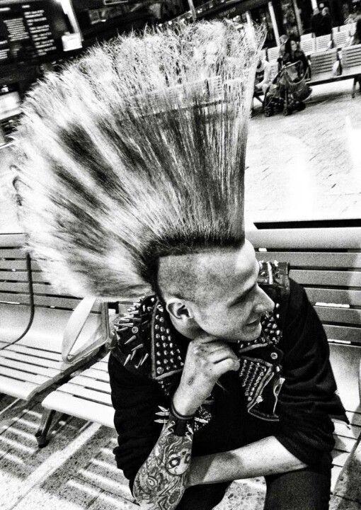 A Big Mohawk On A Punk Rocker Uk 80 S 1st Generation